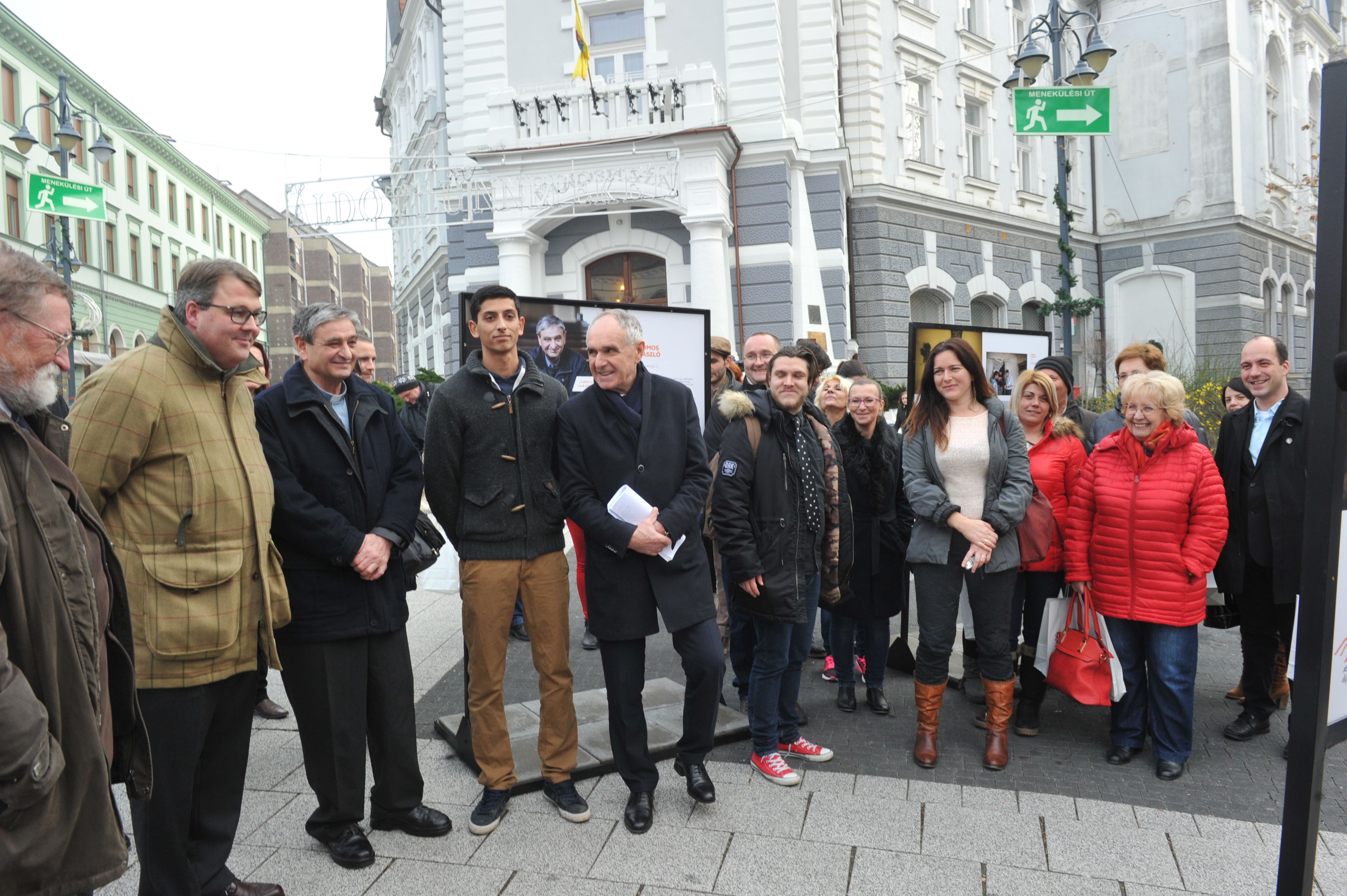 Kaposvárra érkezett a Jószolgálat-díj szabadtéri kiállítása