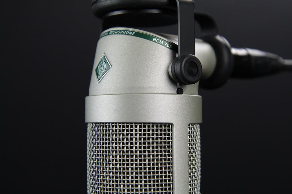 Rádióbeszélgetés a Civil Rádió Filagória című műsorában